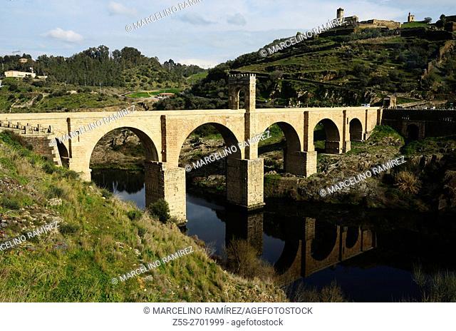 Roman bridge. Alcántara, Cáceres, Extremadura, Spain, Europe