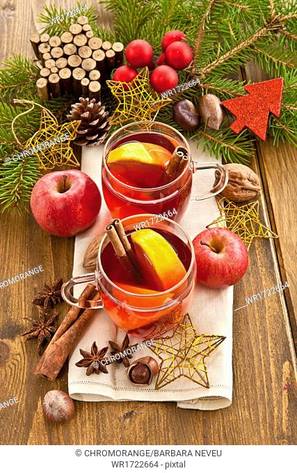 Hot winter beverage with spices