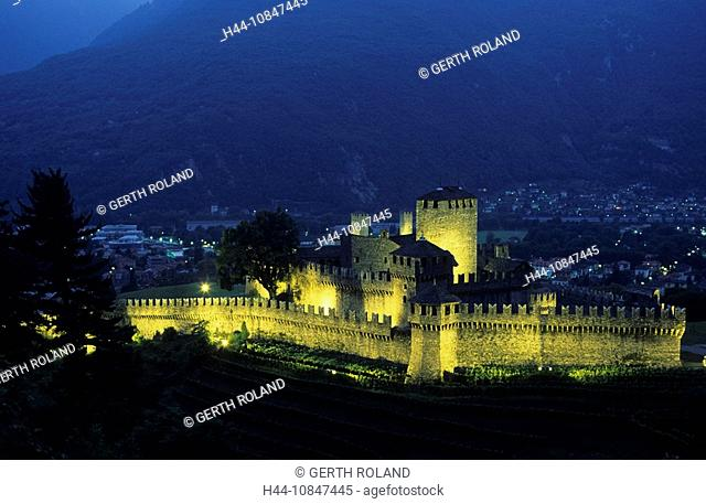Switzerland, Europe, Canton Ticino, Bellinzona, Castello di Montebello, castle, dusk, twilight, evening, lights, mount