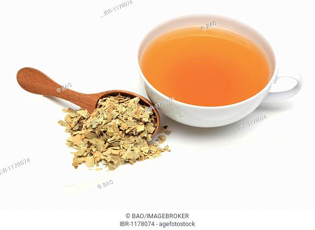 Herbal tea made of dried leaves of the bitter orange, used als herbal medicine and scent (Citrus aurantium)