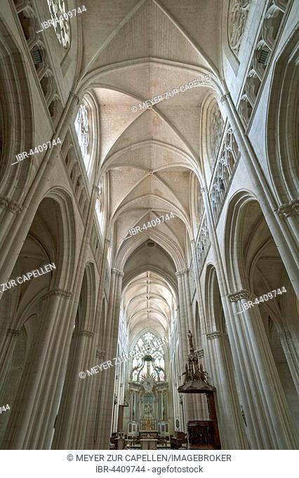 Nave and main altar, Lucon Cathedral, La Cathedrale Notre-Dame de l'Assomption, Luçon, Vendée, France