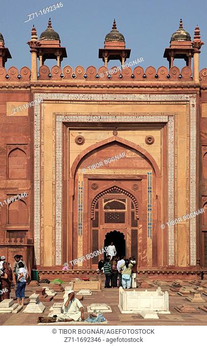 India, Uttar Pradesh, Fatehpur Sikri, Jama Masjid mosque, courtyard