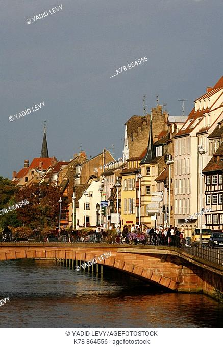 Sep 2008 - Houses along the Ill river, Strasbourg, Alsace, France