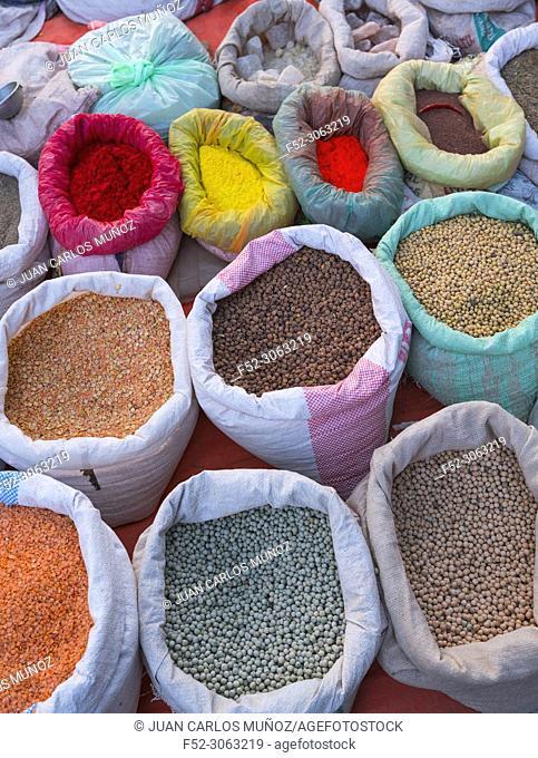 Local market, Indigenous Tharus, Chitwan National Park, Inner Terai lowlands, Nepal, Asia, Unesco World Heritage Site