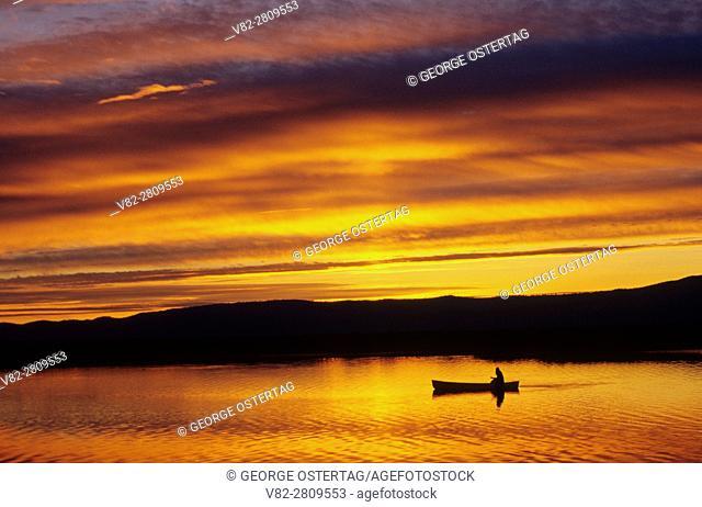 Canoeing sunrise on Upper Klamath Lake Canoe Trail, Upper Klamath National Wildlife Refuge, Volcano Legacy National Scenic Byway, Oregon