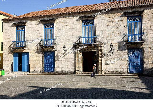 21.06.2018, Cuba, Havana: The Museo de Arte Colonial in the old town on the Plaza de la Catedral. In Havana is the largest surviving colonial city in Latin...