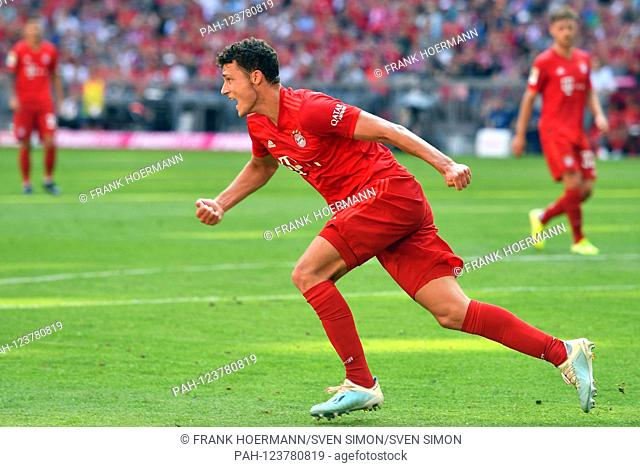 goaljubel Benjamin PAVARD (Bayern Munich, left) after goal 1-1, action, jubilation, joy, enthusiasm, football 1. Bundesliga, 3