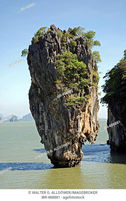 James Bond rock, Ao Phang-Nga National Park, Thailand, Asia