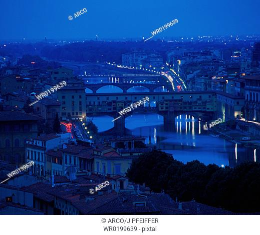 View, to, Florence, with, bridge, Ponte, Vecchio, at, night, Piazzale, Michelangelo, Florence, Tuscany, Italy