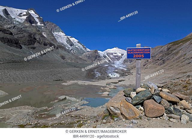 Sign, Glaciers as of 2005 at the Pasterze Glacier, Johannisberg at back, Grossglockner, Kaiser-Franz-Josefs-Höhe, Carinthia, Austria
