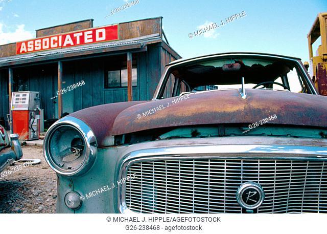 Old car and shop. California. USA