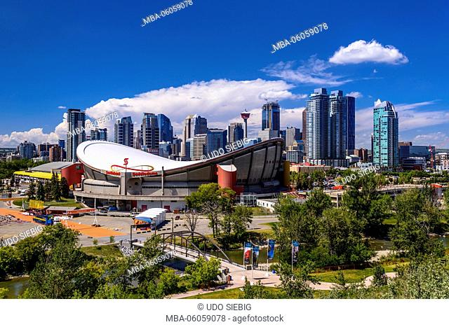 Canada, Alberta, Bow River Valley, Calgary, Ellbow River, Stampede Park, Saddledome, Skyline