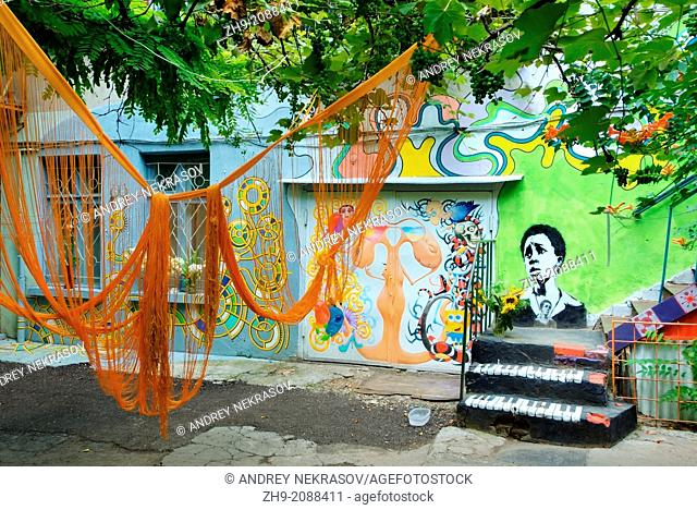 Colourfully painted yard, Odessa, Ukraine, Eastern Europe