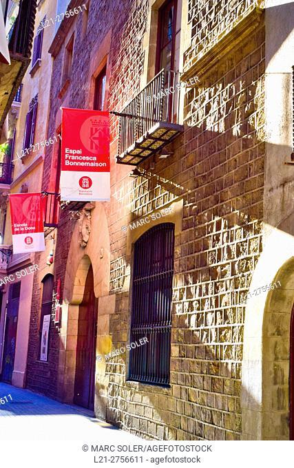 Espai Francesca Bonnemaison. This space, which since 1941 manages the Barcelona Provincial Council, reflects the heritage of Bonnemaison initiatives