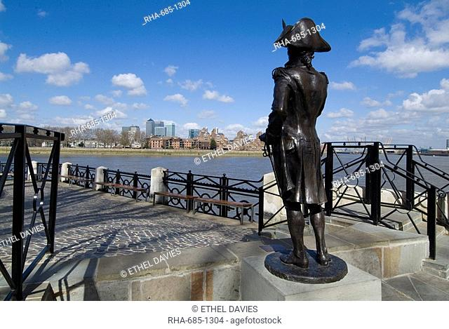 Statue of Horatio Nelson overlooking the Thames and Canary Wharf, near the Trafalgar Pub, Greenwich, London SE10, England, United Kingdom, Europe