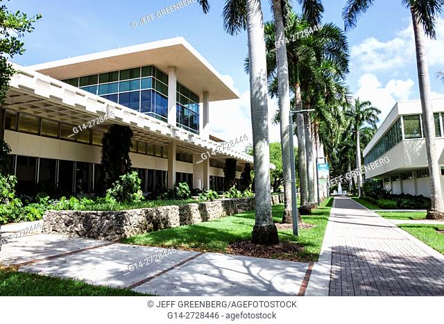 Florida, Miami, Coral Gables, University of Miami, UM, Otto G. Richter Library, higher education, building, exterior, modern architecture, campus, pathway