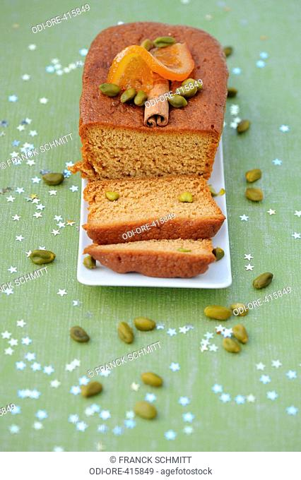 Gingerbread with pistacchios