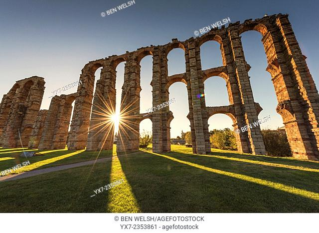 Roman Aqueduct of Merida, Extremadura, Spain, Europe