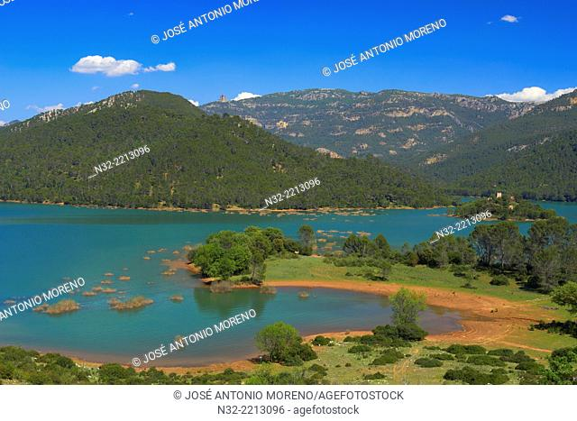 Reservoir of Tranco, El Tranco dam, Sierra de Cazorla Segura and Las Villas Natural Park, Jaen province, Andalucia, Spain