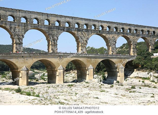 tourism, France, languedoc roussillon, gard, pont du gard, bridge, famous location, landscape, aqueduc roman, river gardon, arches Photo Gilles Targat