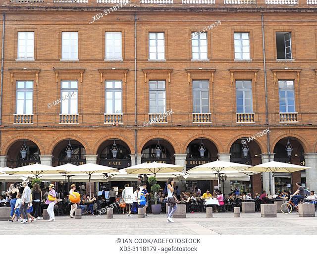 cafes in Place du Capitole, Toulouse, Haute-Garonne Department, Occitanie, France