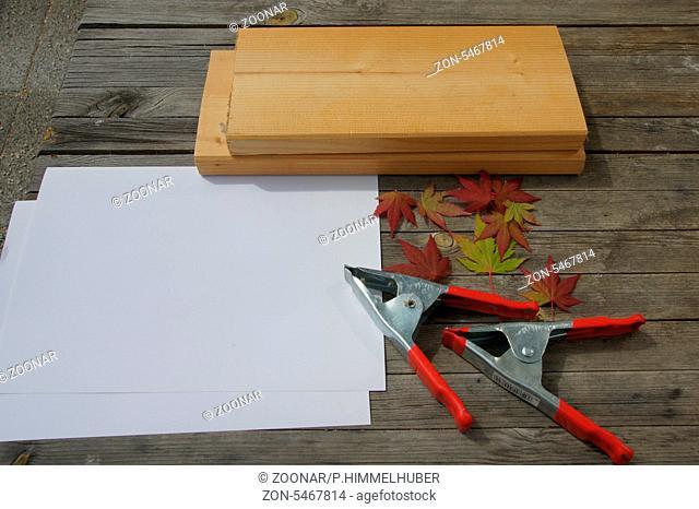 Blätter, Papier, Bretter, Zwingen