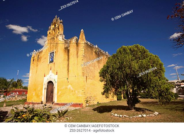 Yellow painted Santa Ana church in the town center, Valladolid, Yucatan Province, Mexico, Central America