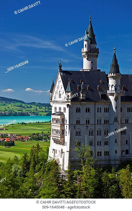 Neuschwanstein Castle view from the Marianbrucke, Hohenschwangau, Schwangau, Bayern, Germany