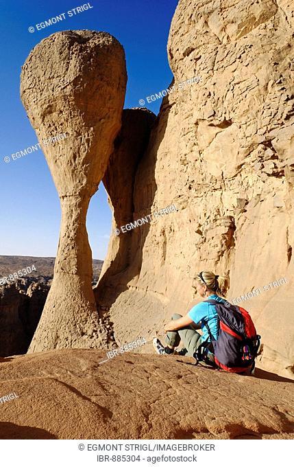 Woman at El Ghessour, Tassili du Hoggar, Wilaya Tamanrasset, Algeria, Sahara Desert, North Africa, Africa