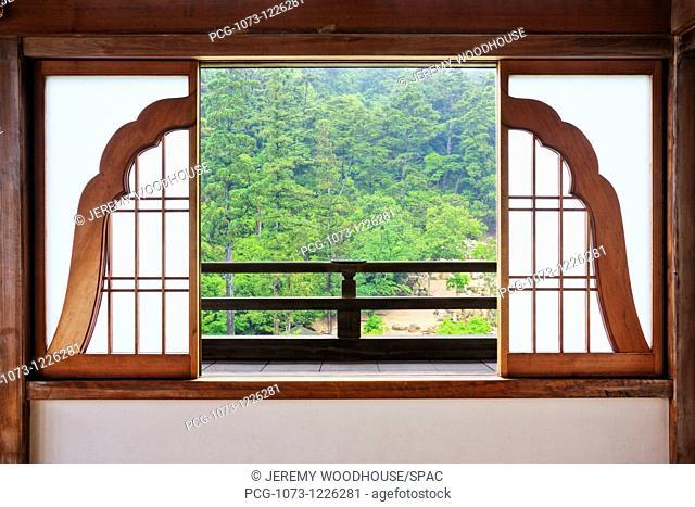 Open Bell Shaped Asian Window