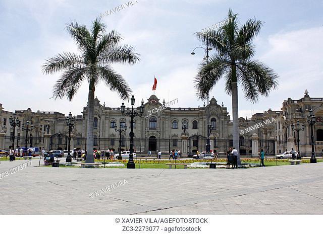 Plaza de Armas, Plaza Mayor, with the presidential palace, Palacio de Govierno, World Heritage, Lima, capital of Peru