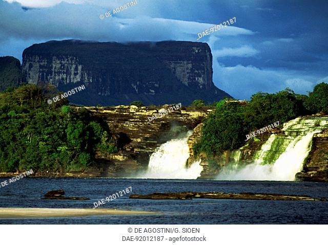 The Hacha Falls in Canaima National Park (UNESCO World Heritage List, 1994), Gran Sabana, Venezuela