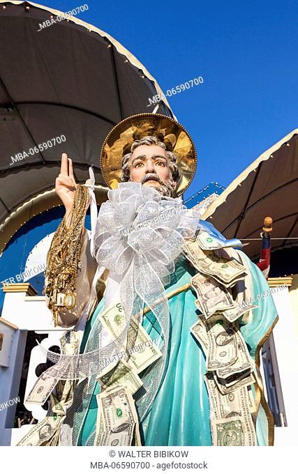 USA, Massachusetts, Cape Ann, Gloucester, St. Peter's Fiesta, Italian-Portuguese fishing community festival, Carnival, statue of St. Peter