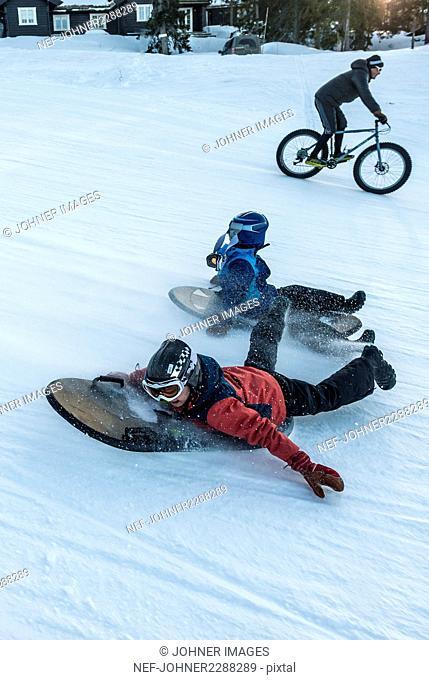 children go sled