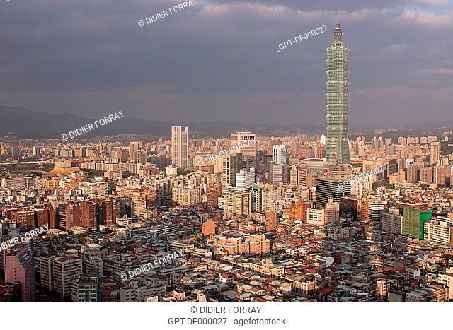 GENERAL VIEW OF TAIPEI WITH THE TAIPEI 101 TOWER ON THE RIGHT, TAIWAN TAIPEI, TAIWAN