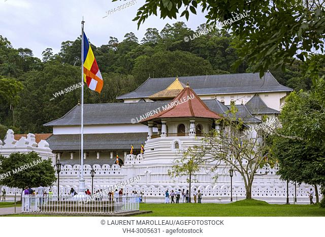 The Temple of the Sacred Tooth Relic or Sri Dalada Maligawa, Sacred City of Kandy, Central Province, Sri Lanka, Asia
