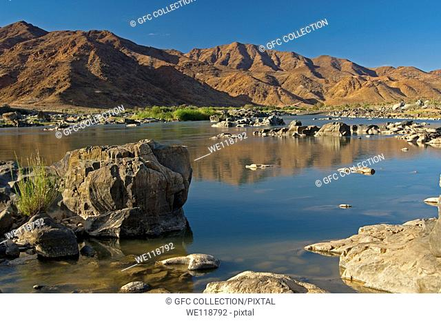 Valley of the Orange River in the Richtersveld Transfrontier National Park, view across the river to Namibia, South Africa