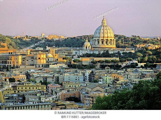 Cuppola, St. Peter's Basilica, Basilica of Saint Peter, in front of the Monte Gianicolo hill, Vatican city, Rome, Latium, Italy, Europe