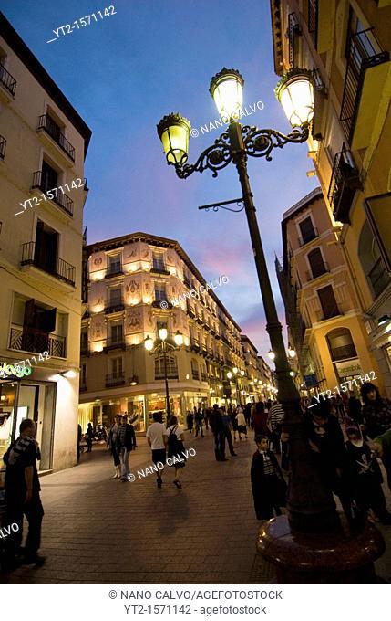 Popular Calle Alfonso, in the Coso area of Zaragoza