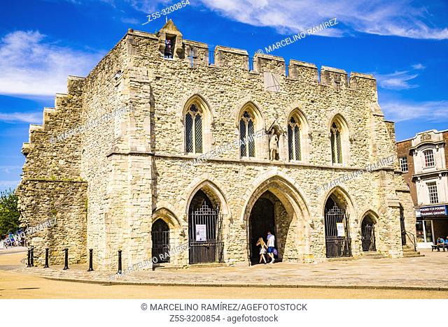 The Bargate is medieval gatehouse in the city centre of Southampton. The Bargate from the south. Southampton, Hampshire, England, United Kingdom, UK, Europe