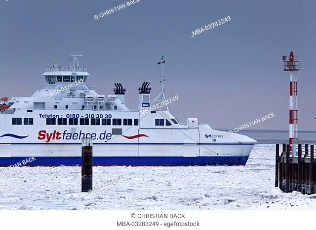 Ferry to Sylt in front of List, island Sylt, the North Frisians, Schleswig - Holstein, Germany