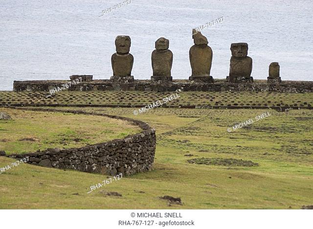 Ahu Vai Uri, Tahai Ceremonial Site, UNESCO World Heritage Site, Easter Island Rapa Nui, Chile, South America