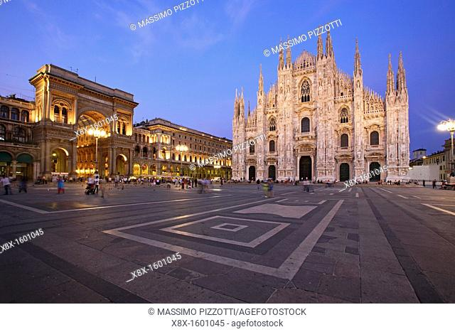 Piazza Duomo and the Cathedral at dusk, Milan, Italy