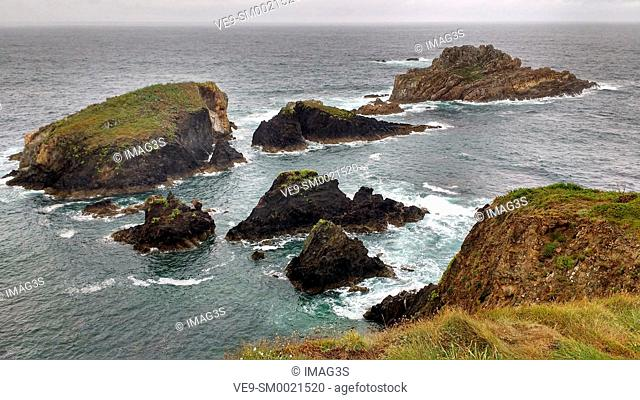 Salave cliffs, Way of St James (Coastal Road GR E-9), Tapia de Casariego municipality, Asturias, Spain