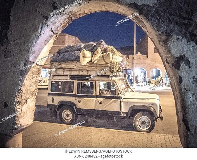 Overloaded Land Rover Defender 110, Foum Zguid, Morocco