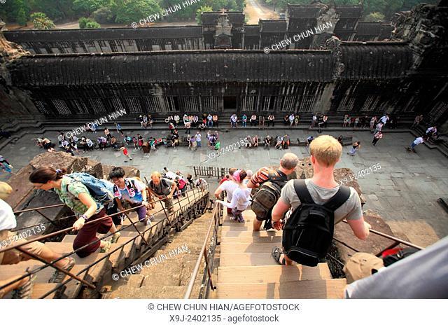 Tourists at Angkor Wat Temple, Angkor wat, Siem Reap province, Cambodia, Asia