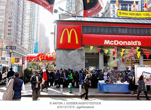 McDonalds restaurant , manhattan , new york city