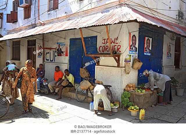 Street scene in the historic town centre of Stone Town, Zanzibar, Tanzania, Africa