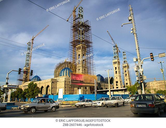 Iran, Hormozgan, Bandar Abbas, construction of a mosque