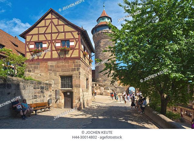 Nürnberg, Bayern, Germany, Kaiserburg, Tiefer Brunnen, Sinwellturm